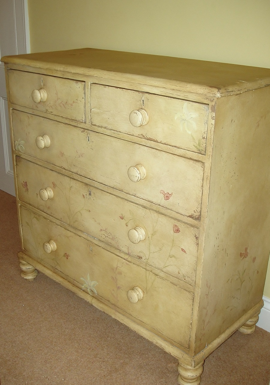 Distressed hand painted bedroom furniture yorkshire for Distressed furniture
