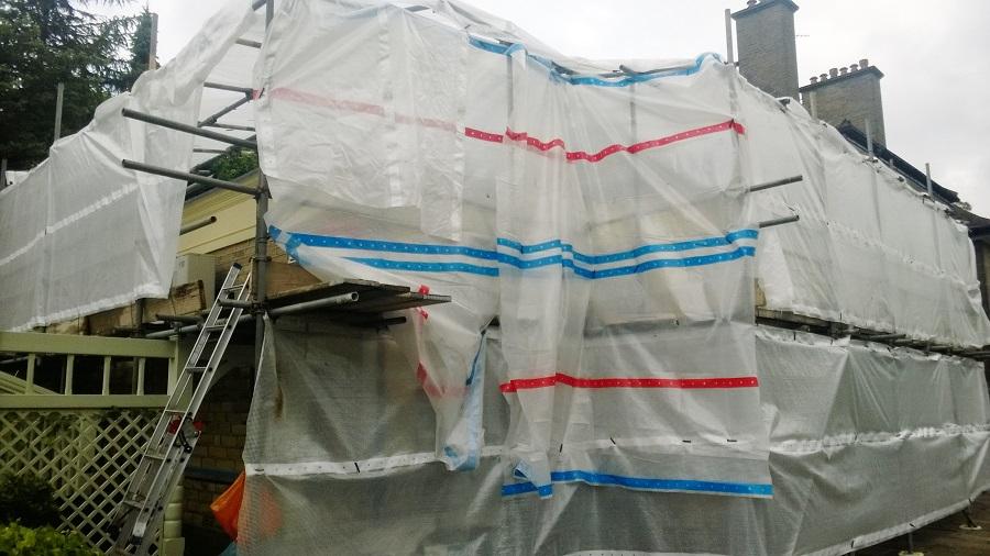 The amazing scaffolding/tarpaulin set up