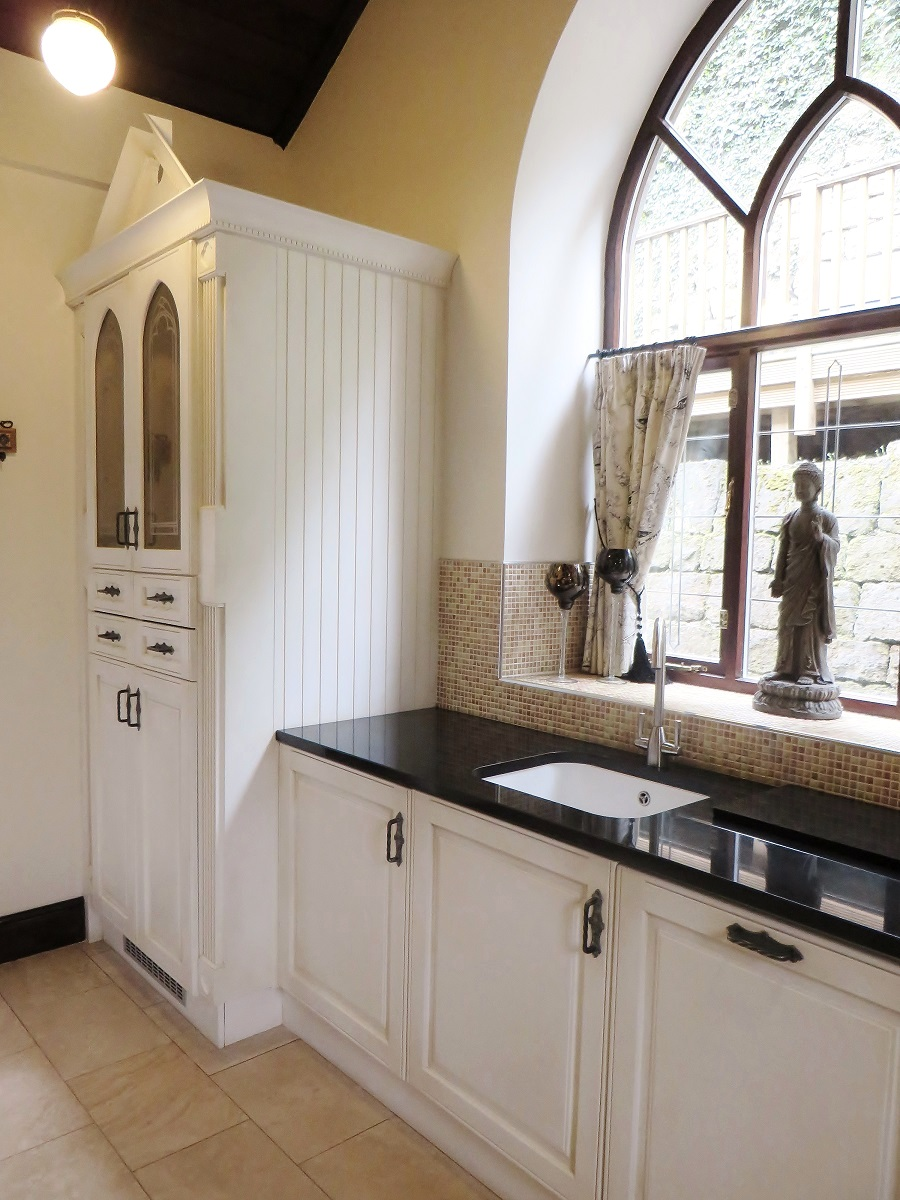 Kitchen painting with specialist paint effect, Leeds