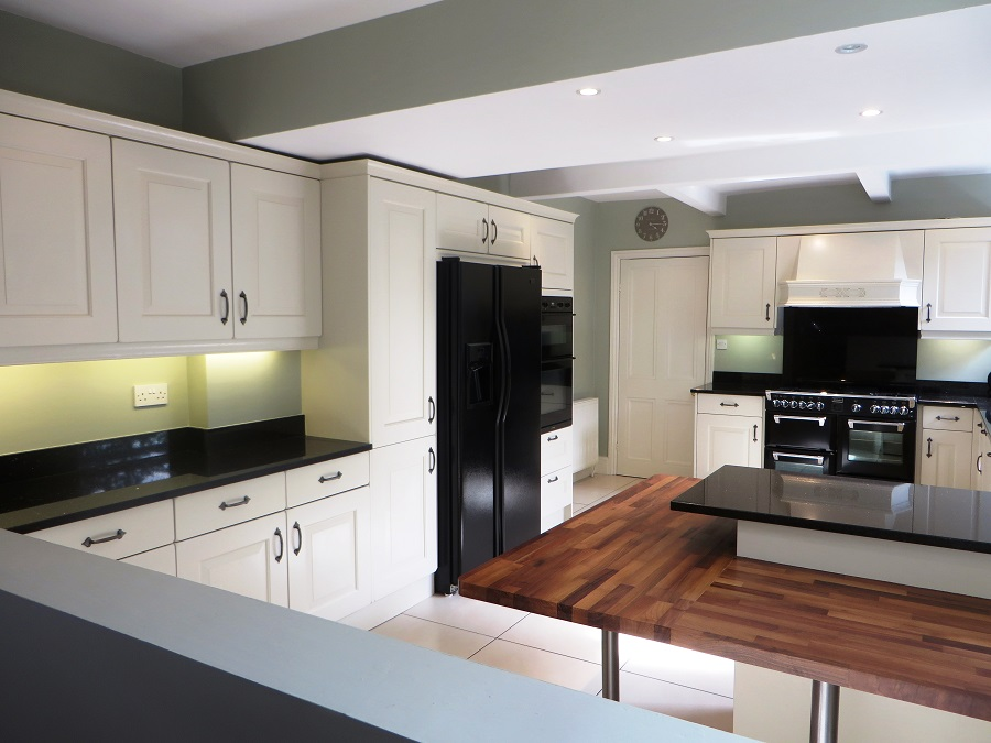 Hand painted kitchen Leeds - the transformation is complete!