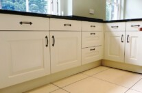 Hand Painted Pipped Oak Kitchen