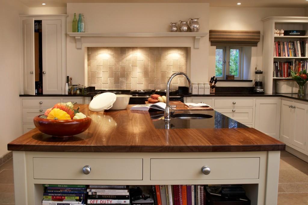 Kitchen re-paint - block colour